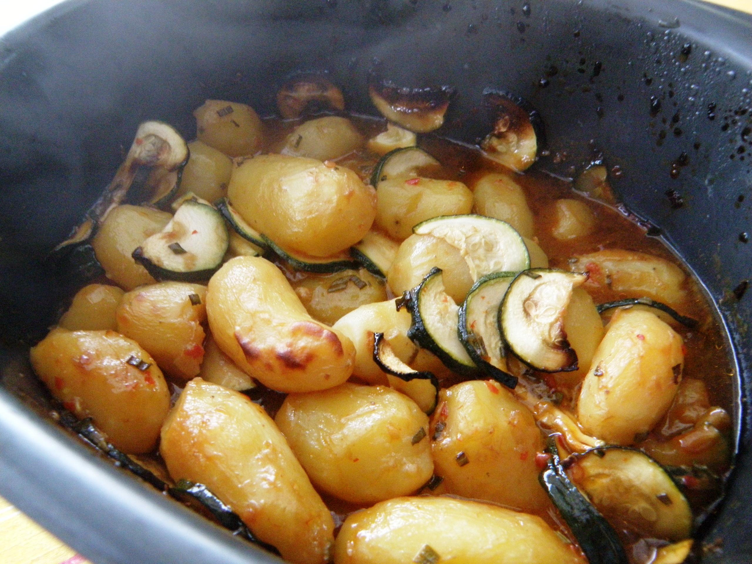 Marinierte Kartoffeln mit Zucchini