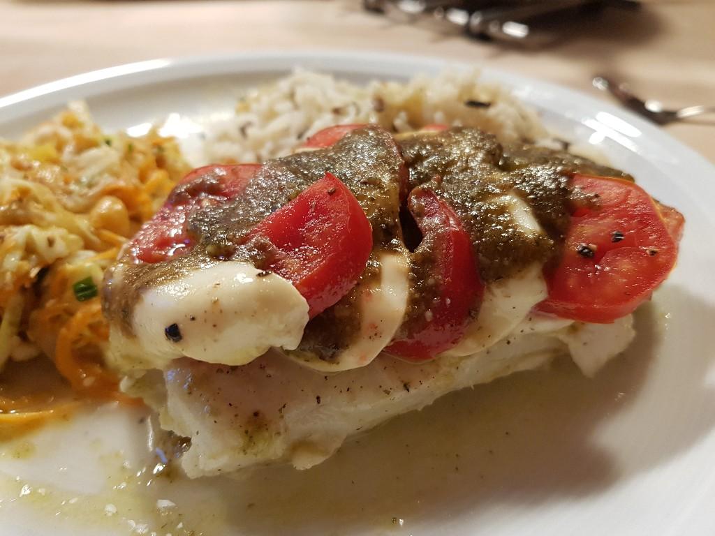 Fisch mit Tomate-Mozzarella